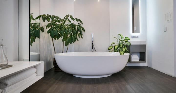אמבטיה קטנה